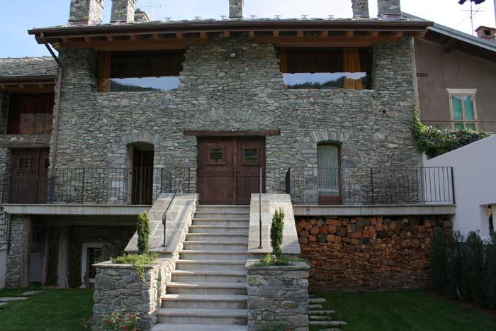 Nus le foyer du cousin alloggio affitto valle d 39 aosta for Agriturismo maison rosset
