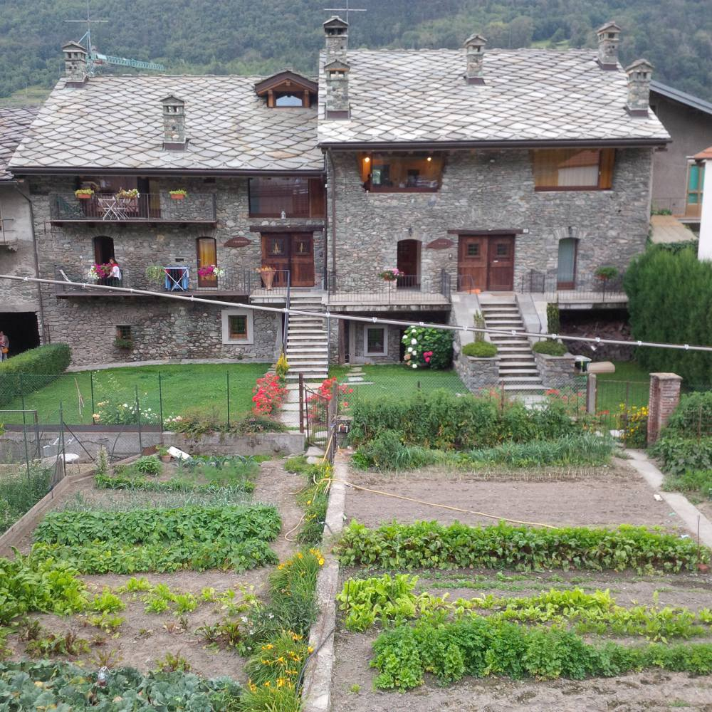 Logement nus le foyer du cousin alloggio affitto valle for Agriturismo maison rosset