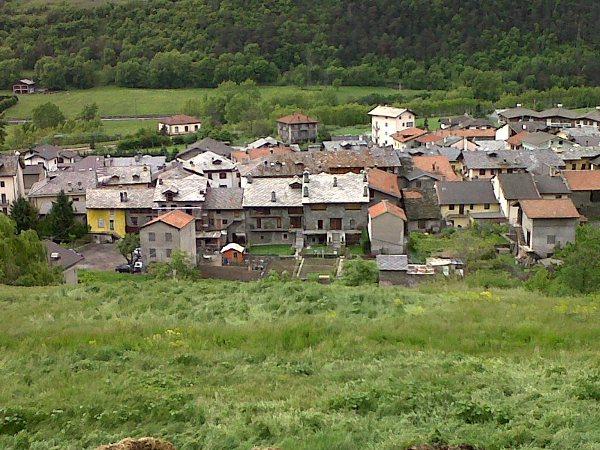 Alloggio nus valle d 39 aosta le foyer du cousin maison for Agriturismo maison rosset